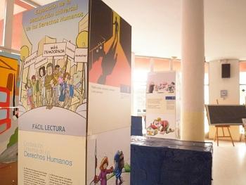 Exposiciones Itinerantes de «Mujeres en Acción», la Declaración de una Cultura de Paz y la Declaración Universal de los Derechos Humanos. (2011)