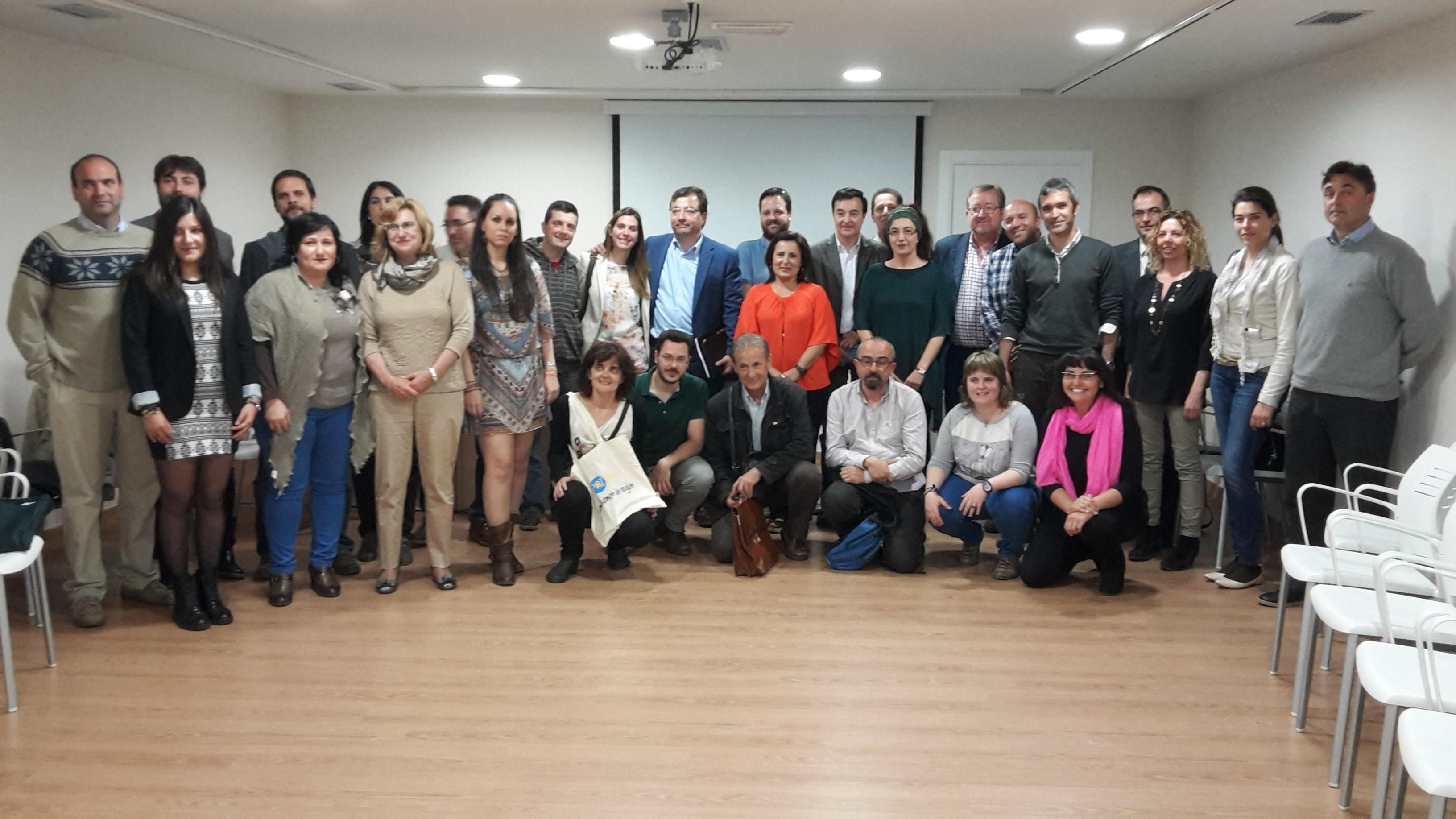 Éxito en el encuentro de diálogo civil entre los candidatos electorales autonómicos y las organizaciones sociales de Extremadura.
