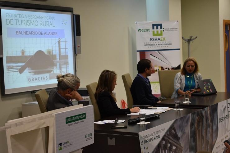 Valioso Networking en Escuela Superior de Hostelería y Agroturismo de Extremadura.