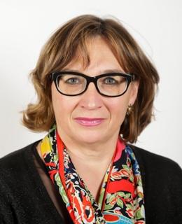 Dª. Carmen Pereira Santana